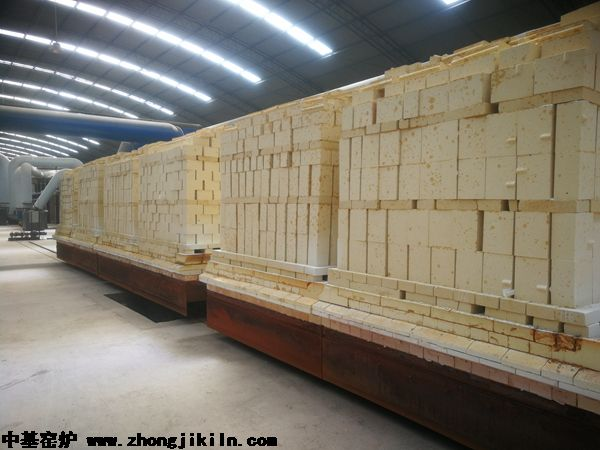 洛阳北斗祥雨硅砖隧道窑出窑产品,合格率在95%以上